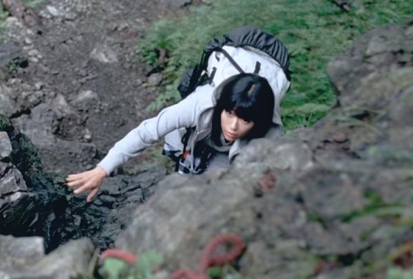【動画】宇多田ヒカルの「南アルプスの天然水」新CMで登山!水の山に感謝する.png