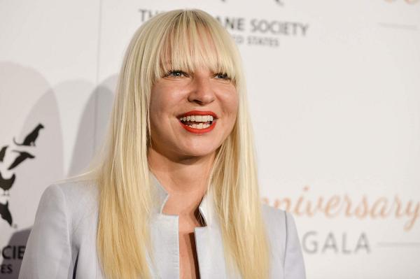 【動画】映画『秘密 THE TOP SECRET』の主題歌Sia『ALIVE』に注目!!.png