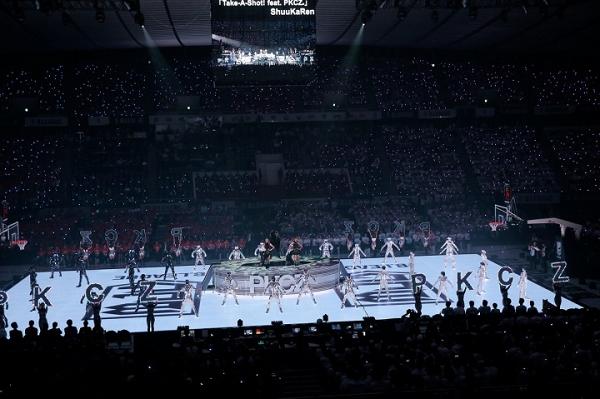 【動画】SAMURIZEが光のパフォーマンスを披露!世界初の全面LEDコート!Bリーグ開幕戦.png