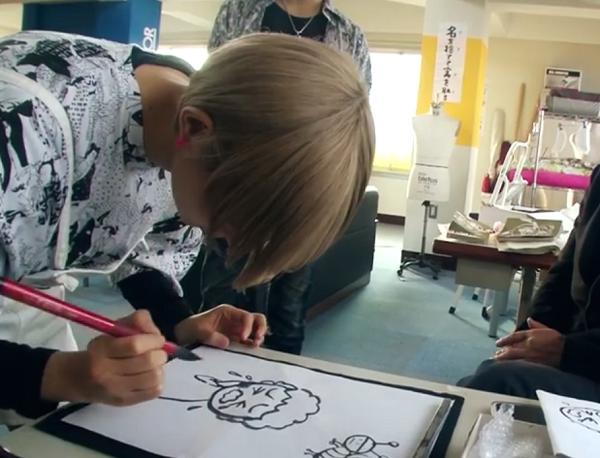 【最上もが】直筆のことわざを表すオリジナル絵を習字で初披露!.png