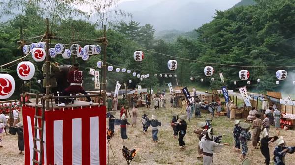 【au三太郎CM】最新の「雷おこし」篇は史上初の総勢100人を超えるキャスト!!.png