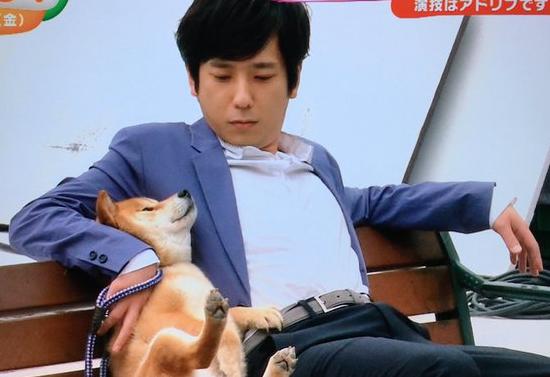 二宮和也 パズドラレーダーの新CM 「新しい遊び方」編で柴犬と共演!.png