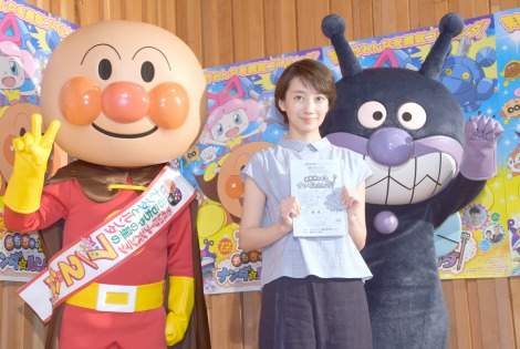 波瑠 映画「それいけ!アンパンマン おもちゃの星のナンダとルンダ」公開アフレコに出演.png
