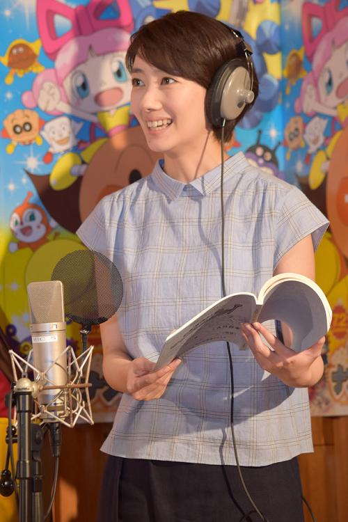 波瑠の公開アフレコ画像 アンパンマン 映画「おもちゃの星のナンダとルンダ」.png